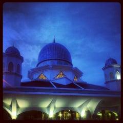 Photo taken at Masjid Abdullah Fahim by lekuq a. on 5/10/2013