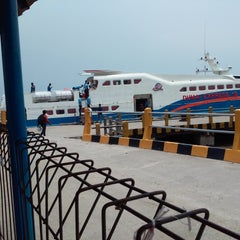 Photo taken at Pelabuhan Tanjung Buton Riau by Muhammad F. on 10/14/2014