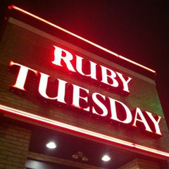 Photo taken at Ruby Tuesday by Pedro M. on 11/13/2012