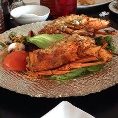Photo taken at Sushi Koi by Julia yanira on 9/28/2014