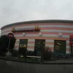 Photo taken at McDonald's by александр м. on 11/12/2012