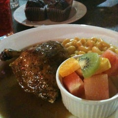 Photo taken at Kenny Rogers Roasters (KRR) by Azrul H. on 10/20/2012