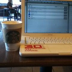 Photo taken at Starbucks by Je M'apelle T. on 6/17/2013