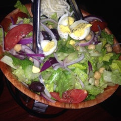 Photo taken at Anthony's Coal Fired Pizza by Monica🌺Gutierrez R. on 4/26/2014