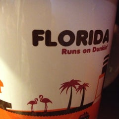 Photo taken at Dunkin Donuts by 🌹Hermosa R. on 11/8/2012
