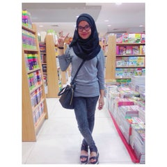 Photo taken at Gramedia by Isranurfidya A. on 12/3/2014