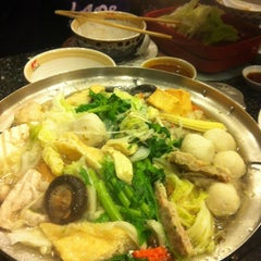 Photo taken at MK (เอ็มเค) by Cheng.Sirawit on 5/27/2012