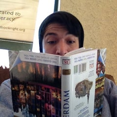Photo taken at Barnes & Noble by Mario A. on 4/21/2012