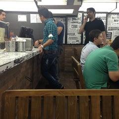 Foto tomada en Burger Land por iDaw el 5/25/2013
