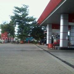Photo taken at SPBU Pertamina 74.906.05 by Bus T. on 11/14/2012