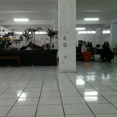 Photo taken at Gedung Unit 5 STMIK AMIKOM Yogyakarta by Lukman F. on 12/19/2012