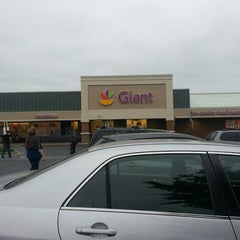 Photo taken at Giant by Carol Elizabeth M. on 5/18/2013