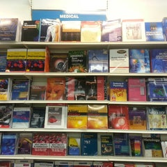 Photo taken at Jarir Bookstore | مكتبة جرير by Afnan A. on 2/28/2013