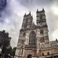 Photo taken at Westminster Abbey by Jose Maria C. on 1/22/2013