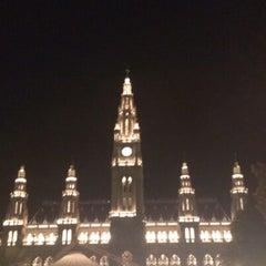 Das Foto wurde bei Rathausplatz von Birgit P. am 8/13/2013 aufgenommen