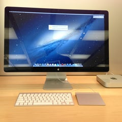 Photo taken at Apple Store, Towson Town Center by Randy C. on 6/8/2013