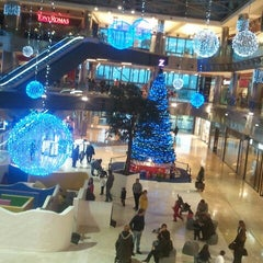 Photo taken at Zielo Shopping by Rafa G. on 11/30/2012
