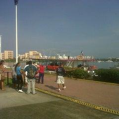 Photo taken at Terminal de cruceros del buque Puerto Vallarta by Augusto D. on 9/26/2012