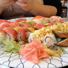 Photo taken at Minato Sushi Cafe by Ronald D. on 10/14/2012