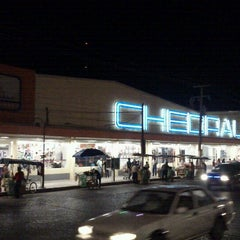 Photo taken at Chedraui by Junnior F. on 12/24/2012