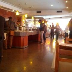 Photo taken at Lótus Restaurante Vegetariano by Ricardo H. on 9/28/2012
