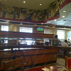 Photo taken at Pizza Hut by Carlos M. on 9/18/2012