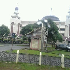 Photo taken at Masjid Agung At-Tin by Muhamad Fauzi R. on 7/21/2013