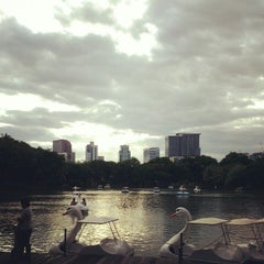 Photo taken at สวนลุมพินี (Lumphini Park) by FilmPolaroid's h. on 7/22/2013