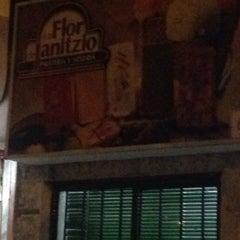 Photo taken at Paleteria la Flor de Janitzio by Hazu T. on 4/25/2016