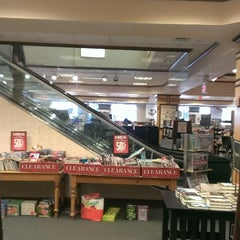 Photo taken at Barnes & Noble by Abdon C. on 6/22/2013