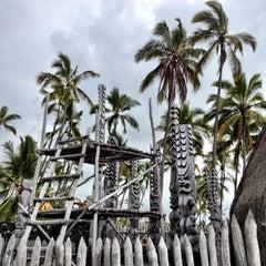 Photo taken at Puʻuhonua o Hōnaunau National Historical Park by Katherine P. on 10/20/2012