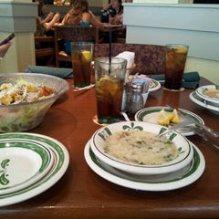 Photo taken at Olive Garden by Christina L. on 9/23/2012