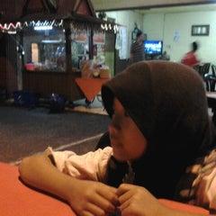 Photo taken at Restoran Vicchuda Meru Indah by atien on 11/29/2012