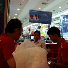 Photo taken at Carrefour by Jessica Marianne B. on 11/7/2014