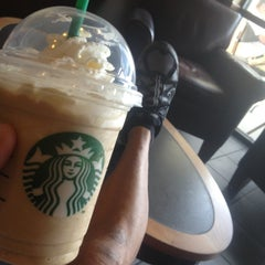 Photo taken at Starbucks by Chago S. on 4/17/2013