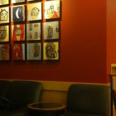 Photo taken at Starbucks by Kathrynn Valdez D. on 10/28/2012