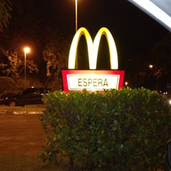 Photo taken at McDonald's by Raphael T. on 11/17/2012