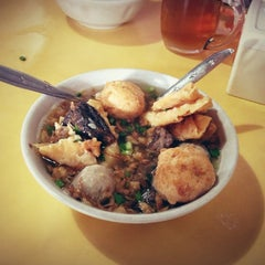 Photo taken at Bakso President by Ramadhan D. on 1/25/2013