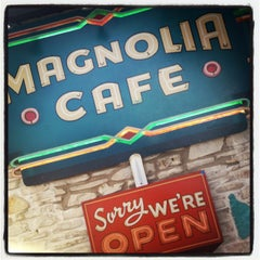 Photo taken at Magnolia Cafe by Stephen K. on 3/10/2013