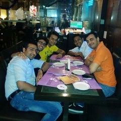Photo taken at Temple Flower Restaurant by Karan Shailesh Desai on 12/30/2014