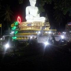 Photo taken at วัดแหลมสน by ปภาดา บ. on 11/15/2013