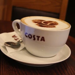 Photo taken at Costa Coffee by Dmitriy T. on 11/5/2012