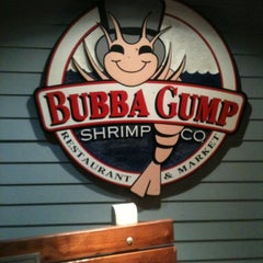 Photo taken at Bubba Gump Shrimp Co. by Jojo T. on 11/20/2012