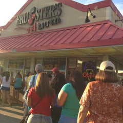 Photo taken at Bruster's Real Ice Cream by Parth A. on 6/28/2015