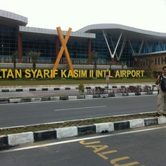 Photo taken at Sultan Syarif Kasim II International Airport (PKU) by Mario E. on 1/23/2013