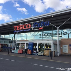 Photo taken at Tesco Extra by Roger N. on 7/25/2015