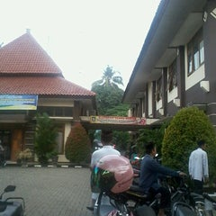 Photo taken at Kantor Kecamatan Karang Tengah by Abdurrasyid A. on 9/19/2013