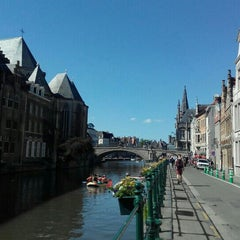 Photo taken at Gent by Rocío C. on 6/6/2015