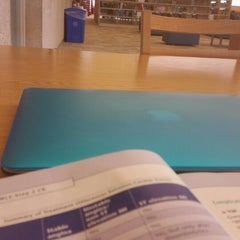Photo taken at Raymon H. Mulford Library Building - UTMC by Alfares A. on 9/25/2014