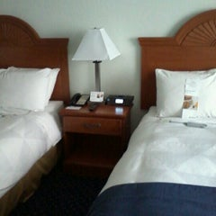 Photo taken at Radisson Hotel Branson by Laci D. on 10/6/2012